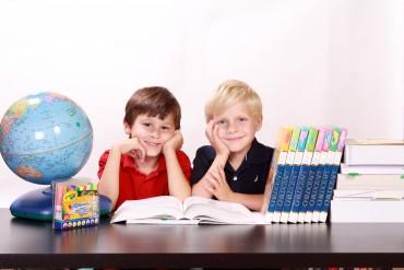 300 zł na dziecko – kto może skorzystać z wyprawki szkolnej? Zasady programu Dobry start 2018/2019